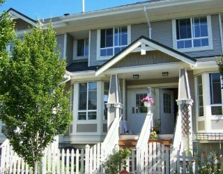 "Main Photo: 32 9079 JONES RD in Richmond: McLennan North Townhouse for sale in ""PAVILIONS"" : MLS® # V600531"