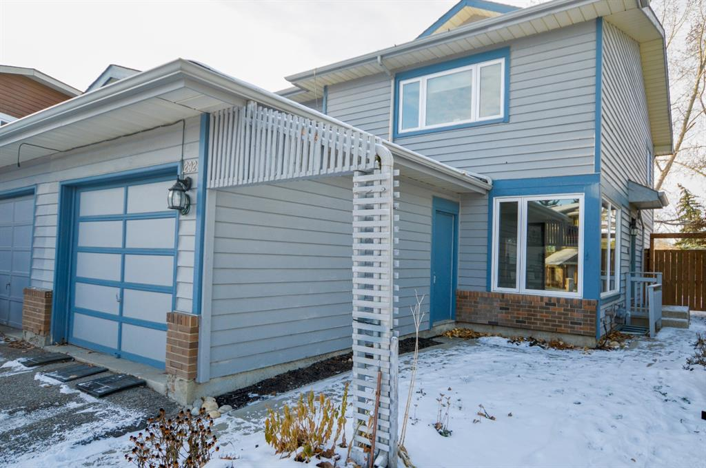 FEATURED LISTING: 292 Midpark Gardens Southeast Calgary