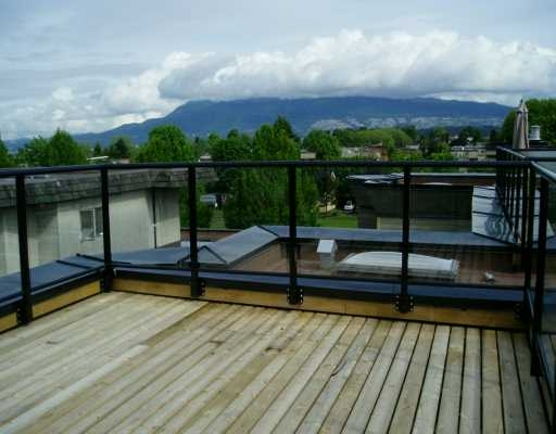 Main Photo: 10 1966 York AV in Vancouver: Kitsilano Townhouse for sale ()  : MLS® # V592459