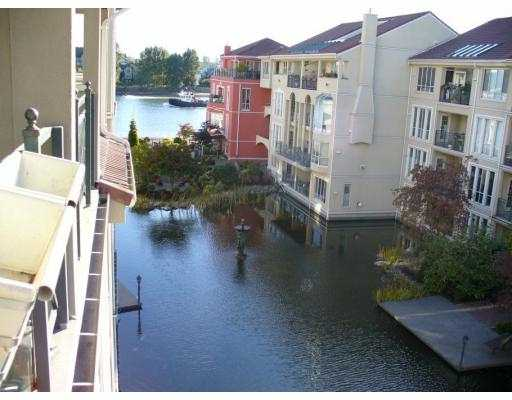 "Main Photo: 3 RENAISSANCE Square in New Westminster: Quay Condo for sale in ""LIDO"" : MLS(r) # V629158"