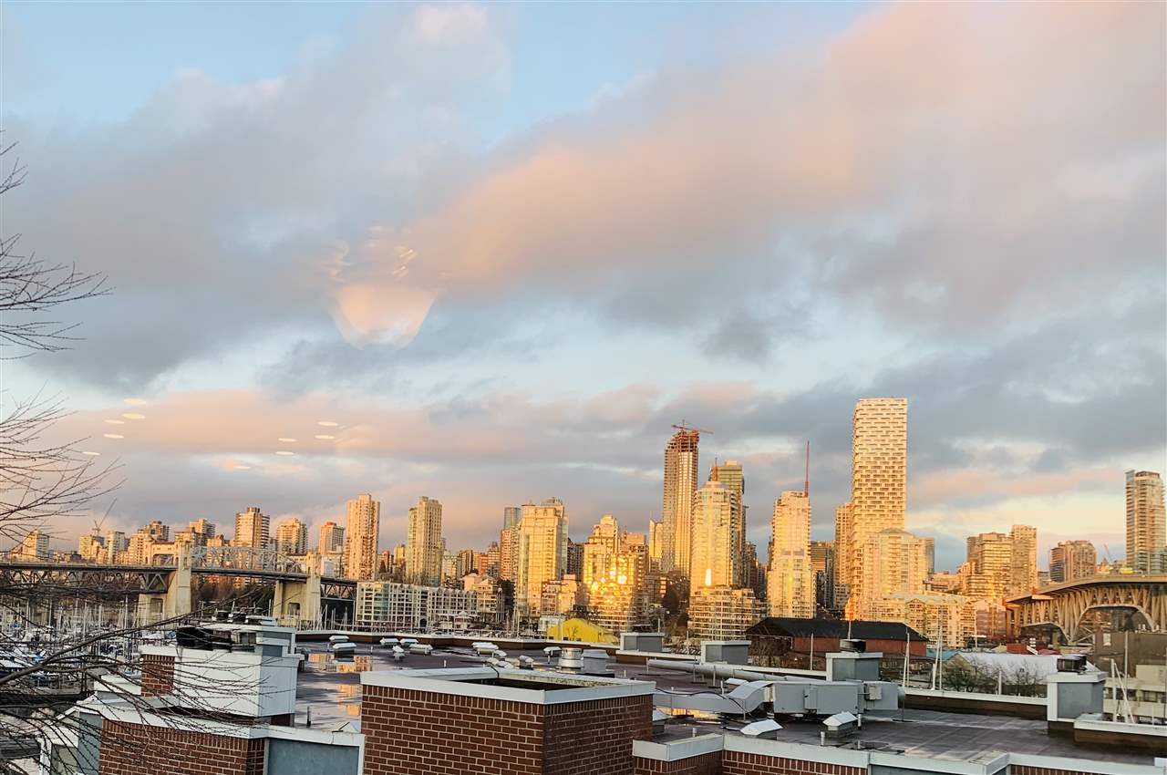 FEATURED LISTING: 502 - 1508 MARINER Walk Vancouver