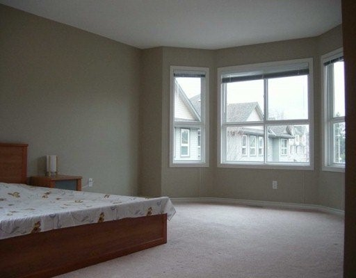 "Photo 3: 6777 LIVINGSTONE Place in Richmond: Granville Townhouse for sale in ""HARVARD VILLAS II"" : MLS® # V616120"