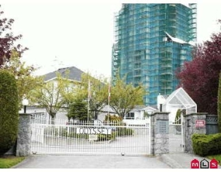 Main Photo: 207 13863 100TH AV in Surrey: Whalley Townhouse for sale (North Surrey)  : MLS® # F2609247