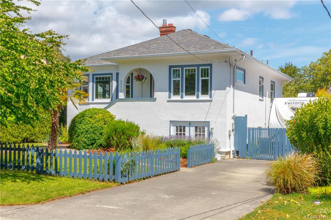 FEATURED LISTING: 2372 Zela St Oak Bay