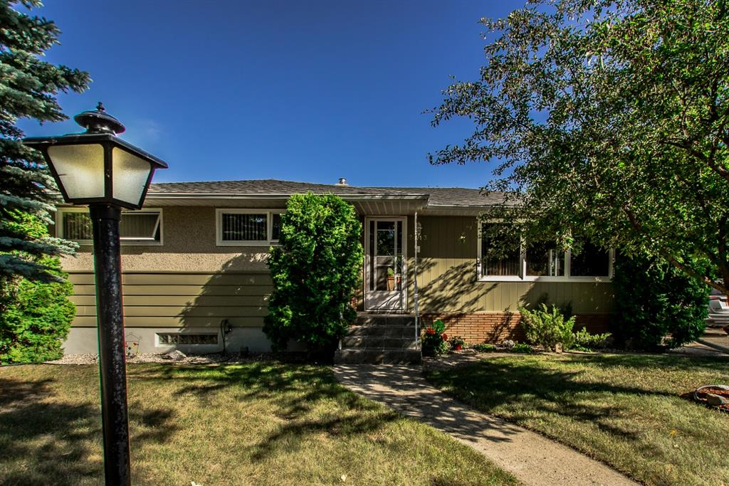 FEATURED LISTING: 2413 22 Street Nanton
