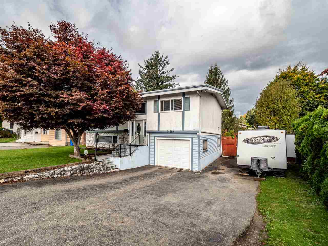 FEATURED LISTING: 34689 MARSHALL Road Abbotsford