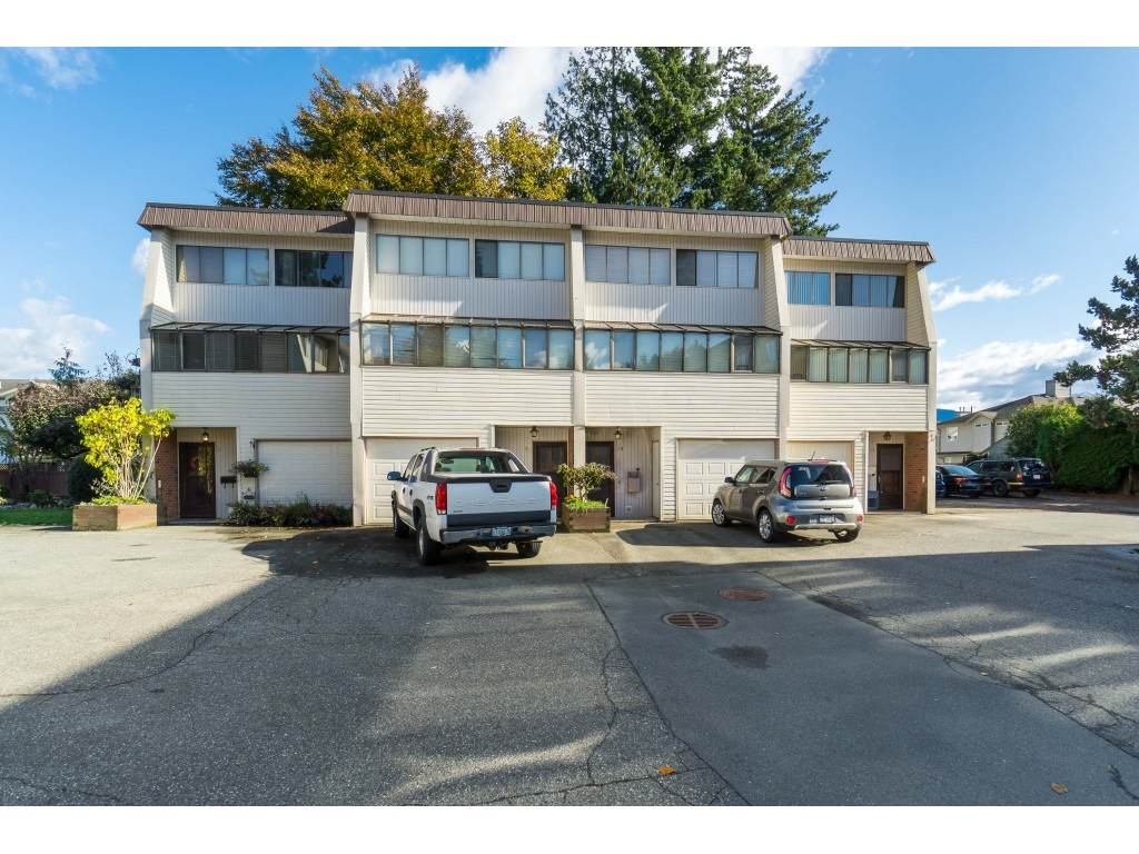 FEATURED LISTING: 11 - 9446 HAZEL Street Chilliwack