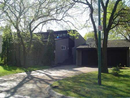 Main Photo: 94 Woodlawn in Winnipeg: MB RED for sale : MLS(r) # 2606504