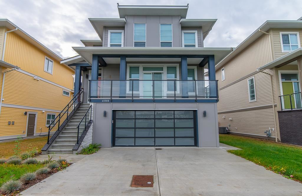 FEATURED LISTING: 45588 MEADOWBROOK Drive Chilliwack