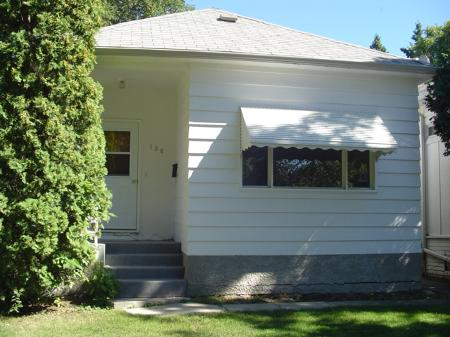 Main Photo: 130 Lindsay in : MB MLT for sale : MLS(r) # Rental Property