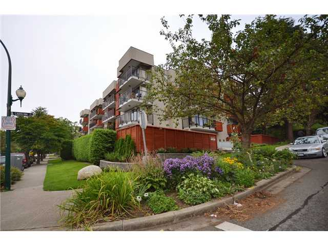 Main Photo: 110 2142 Carolina Street in Vancouver: Mount Pleasant VE Condo for sale (Vancouver East)  : MLS®# v908425