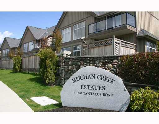 "Main Photo: 33 40750 TANTALUS Road in Squamish: Garibaldi Estates Townhouse for sale in ""MEIGHAN CREEK"" : MLS(r) # V692110"