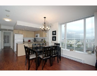 "Main Photo: 2405 550 TAYLOR Street in Vancouver: Downtown VW Condo for sale in ""THE TAYLOR"" (Vancouver West)  : MLS® # V699646"