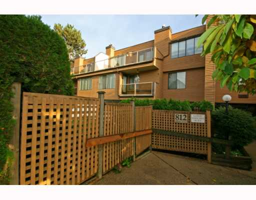 "Main Photo: 102 812 MILTON Street in New Westminster: Uptown NW Condo for sale in ""HAWTHORN PLACE"" : MLS(r) # V794410"