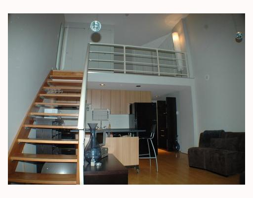 "Photo 3: 713 933 SEYMOUR Street in Vancouver: Downtown VW Condo for sale in ""THE SPOT"" (Vancouver West)  : MLS(r) # V794826"