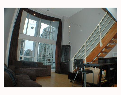 "Photo 4: 713 933 SEYMOUR Street in Vancouver: Downtown VW Condo for sale in ""THE SPOT"" (Vancouver West)  : MLS(r) # V794826"