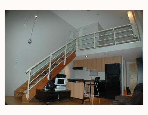 "Photo 2: 713 933 SEYMOUR Street in Vancouver: Downtown VW Condo for sale in ""THE SPOT"" (Vancouver West)  : MLS(r) # V794826"