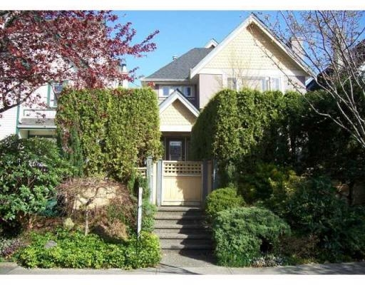 Main Photo: 1819 CREELMAN AV in Vancouver: Condo for sale : MLS®# V815473