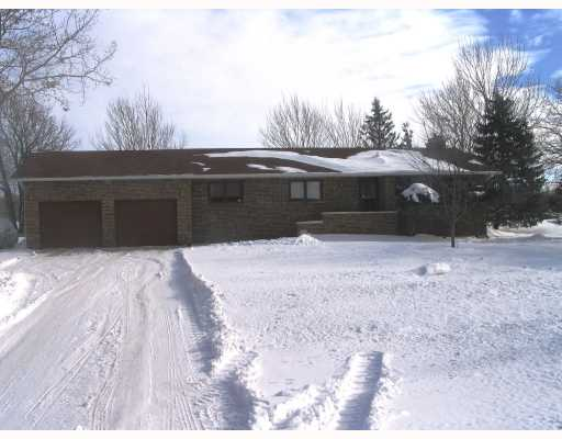 Main Photo: 1505 CHARLESWOOD Road in WINNIPEG: Charleswood Residential for sale (South Winnipeg)  : MLS® # 2802039