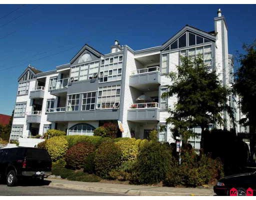 "Main Photo: 102 15131 BUENA VISTA Avenue in White_Rock: White Rock Condo for sale in ""Bay Pointe"" (South Surrey White Rock)  : MLS®# F2727209"