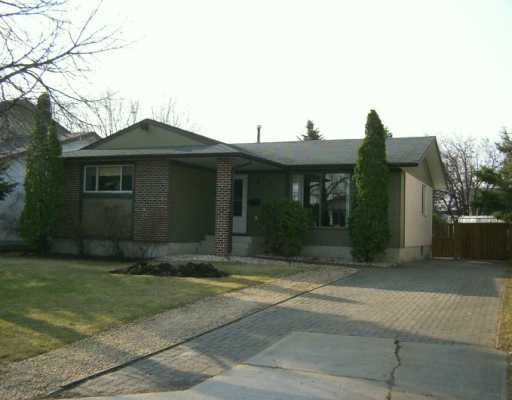 Main Photo: 114 ACHESON Drive in Winnipeg: Westwood / Crestview Single Family Detached for sale (West Winnipeg)  : MLS(r) # 2505035