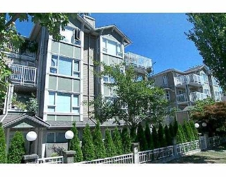 "Main Photo: 307 937 W 14TH Avenue in Vancouver: Fairview VW Condo for sale in ""VILLA 937"" (Vancouver West)  : MLS® # V653224"