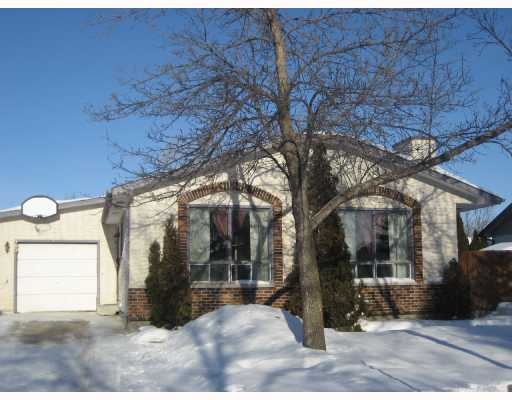 Main Photo: 23 LAKEPOINTE Road in WINNIPEG: Fort Garry / Whyte Ridge / St Norbert Residential for sale (South Winnipeg)  : MLS(r) # 2800755