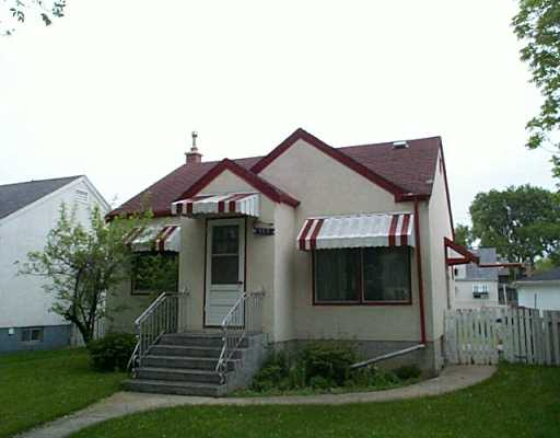 Main Photo: 383 RUPERTSLAND Avenue in Winnipeg: West Kildonan / Garden City Single Family Detached for sale (North West Winnipeg)  : MLS® # 2508257