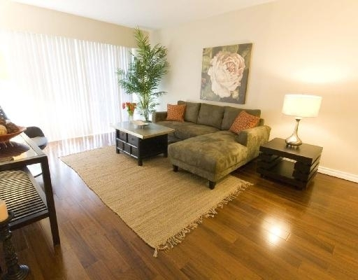 Main Photo: 202 2025 W. 2nd Ave. in Vancouver: Kitsilano Condo for sale (Vancouver West)  : MLS® # V717250