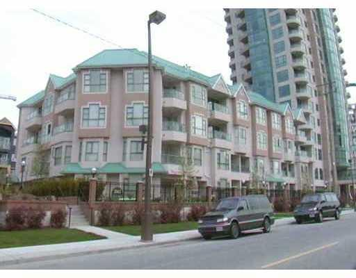 "Main Photo: 301W 3061 GLEN Drive in Coquitlam: North Coquitlam Condo for sale in ""PARC LAURENT"" : MLS® # V670865"
