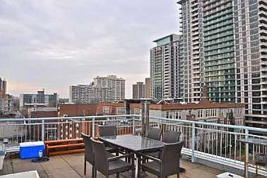 Photo 8: 39 ROEHAMPTON AVE in TORONTO: Condo for sale : MLS® # C1844292
