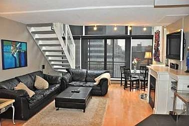 Photo 3: 39 ROEHAMPTON AVE in TORONTO: Condo for sale : MLS® # C1844292
