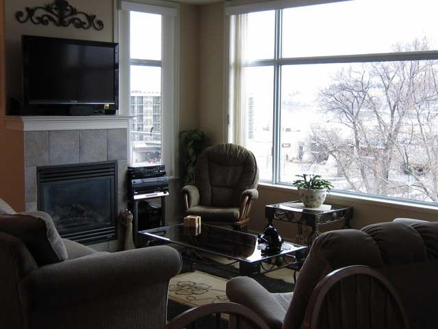 Photo 3: 100 LAKESHORE DRIVE W in Penticton: Other for sale (611)  : MLS® # 131736