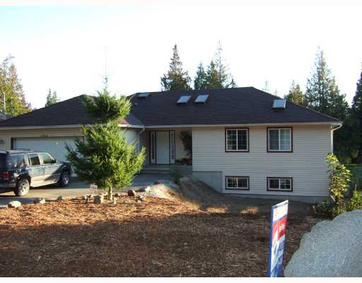 Main Photo: 7904 REDROOFFS Road in Halfmoon Bay: Halfmn Bay Secret Cv Redroofs House for sale (Sunshine Coast)  : MLS(r) # V668111
