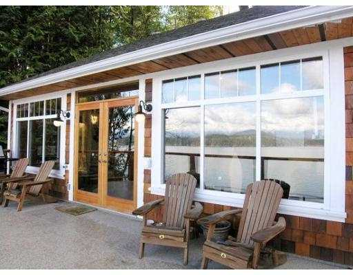 "Main Photo: 1508 TIDEVIEW Road in Gibsons: Gibsons & Area House for sale in ""LANGDALE"" (Sunshine Coast)  : MLS® # V621776"