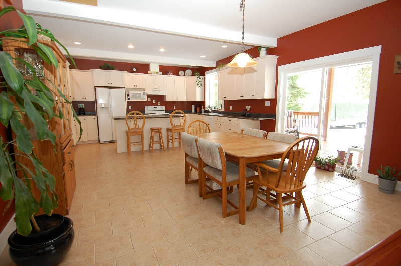 Photo 9: Photos: 6762 WALL STREET in HONEYMOON BAY: House for sale : MLS® # 272058
