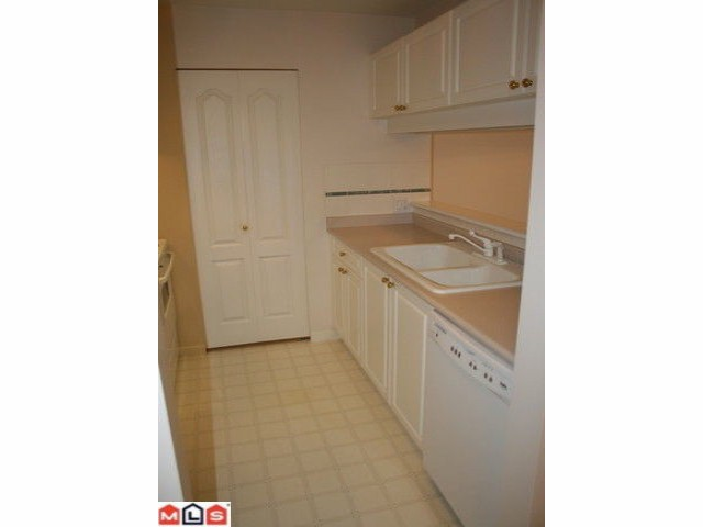 "Photo 3: # 306 1588 BEST ST: White Rock Condo for sale in ""The Monterey"" (South Surrey White Rock)  : MLS® # F1005930"