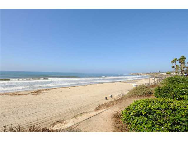 Main Photo: PACIFIC BEACH All Other Attached for sale : 2 bedrooms : 4667 Ocean Blvd # 301