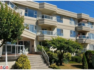 Main Photo: 207 - 1378 George: White Rock Condo for sale (FVREB Out of Town)  : MLS® # F1023435