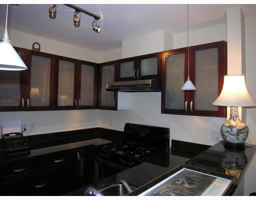 "Photo 5: 402 1586 W 11TH Avenue in Vancouver: Fairview VW Condo for sale in ""TORREY PINES"" (Vancouver West)  : MLS® # V672396"