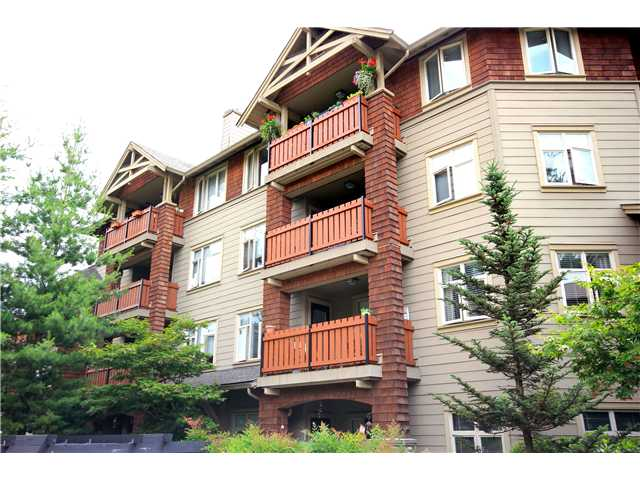 "Main Photo: # 310 18 SMOKEY SMITH PL in New Westminster: GlenBrooke North Condo for sale in ""THE CROFTON"" : MLS(r) # V901403"