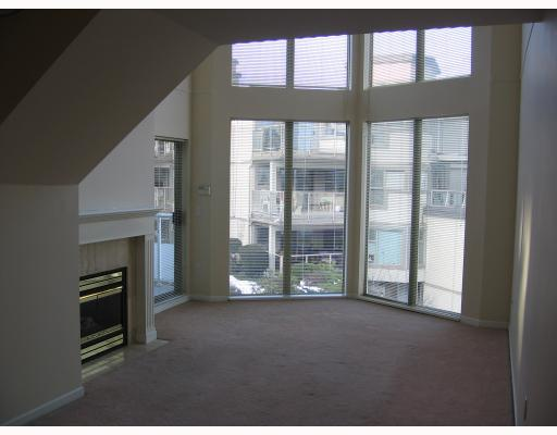 Photo 2: 302 68 RICHMOND Street in New_Westminster: Fraserview NW Condo for sale (New Westminster)  : MLS(r) # V687154