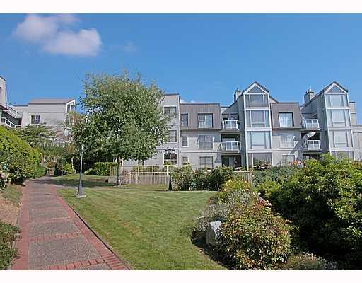 Main Photo: 302 68 RICHMOND Street in New_Westminster: Fraserview NW Condo for sale (New Westminster)  : MLS(r) # V687154