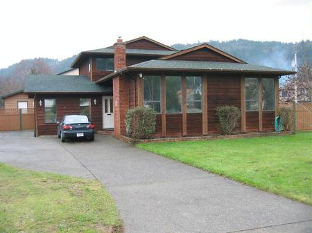 Main Photo: 2829 Santana Drive: RED for sale (Goldstream)