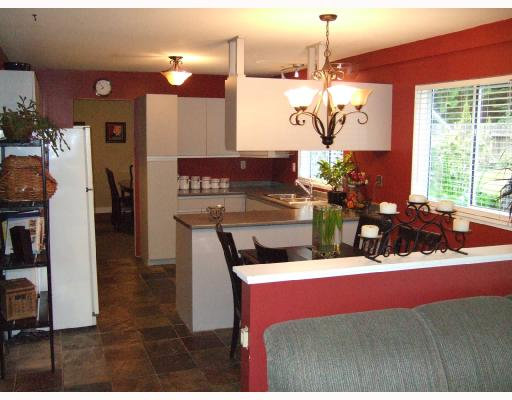 Photo 2: 216 GRANDVIEW HEIGHTS Road in Gibsons: Gibsons & Area House for sale (Sunshine Coast)  : MLS® # V714256