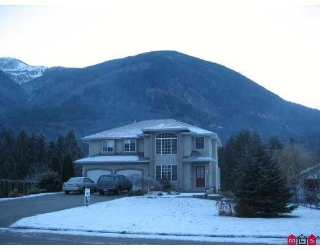 "Main Photo: 49024 RIVERBEND Drive in Sardis: Chilliwack River Valley House for sale in ""RIVERBEND ESTATES"" : MLS®# H2700198"