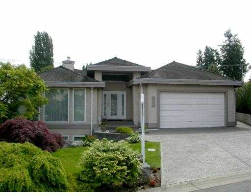 "Main Photo: 332 ROSEHILL Wynd in Tsawwassen: Pebble Hill House for sale in ""ROSE HILL"" : MLS® # V538945"