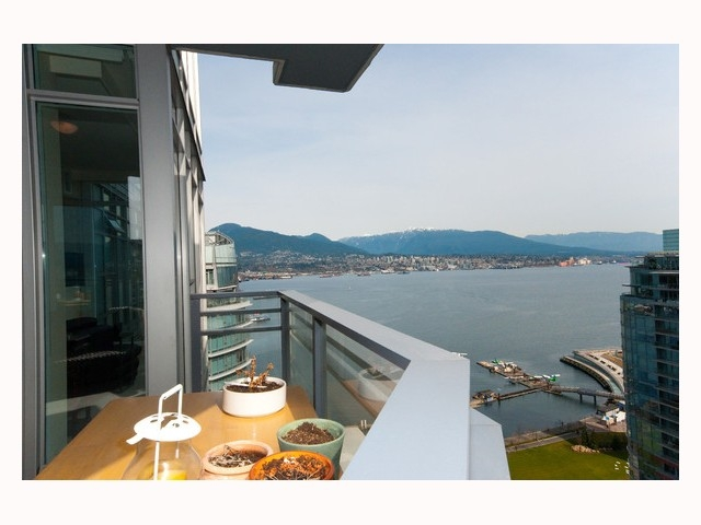 "Main Photo: 2804 - 1205 W. Hastings Street in Vancouver: Coal Harbour Condo for sale in ""CIELO"" (Vancouver West)  : MLS® # V817933"