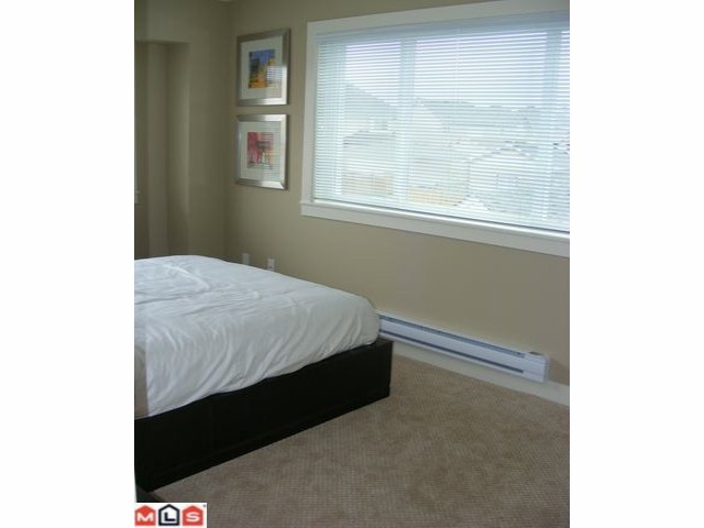 "Photo 4: # 9 7298 199A ST in Langley: Willoughby Heights Condo for sale in ""YORK"" : MLS® # F1015159"