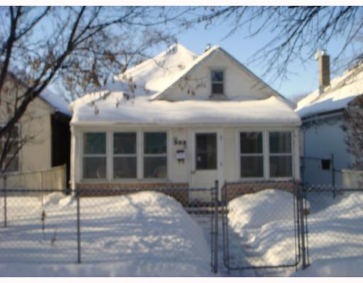 Main Photo: 352 ROSEBERRY Street in WINNIPEG: St James Residential for sale (West Winnipeg)  : MLS® # 2800443